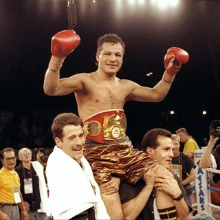 """Legends of Boxing Show:Former Two-Time World Champion Tony""""Tiger""""Lopez"""