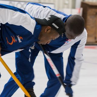 Tutto Qui - giovedì 7 febbraio - Curling, l'Africa Only Curling Team migliora
