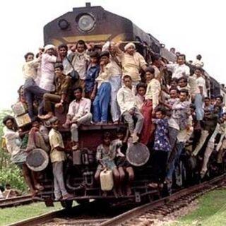 Passaggio in India - Salite in carrozza, il treno sta per partire!