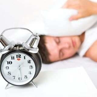 ¿Tu hijo no se despierta temprano para la escuela? ¡Cuidado! Podría presentar retraso de fase