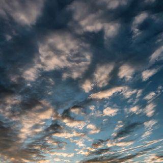 Nubes de otros cielos.