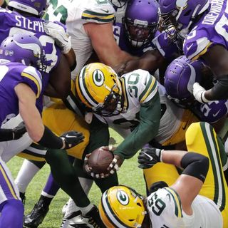 Purple People Eaters: Vikings vs. Packers Preview! Revolving Door Interior O-Line Rant!