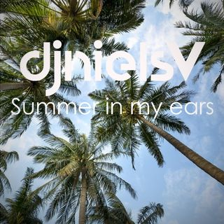 🌴 Summer in my ears 👂🏼☀️🍹