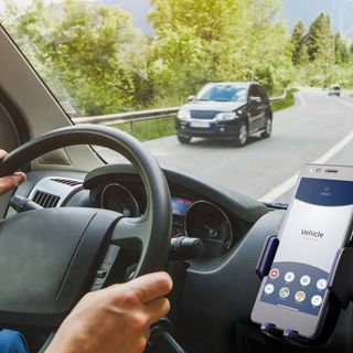 Everything There Is To Know About Distracted Driving Apps
