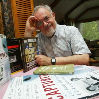UFO Buster Radio News - 216: RIP Stanton Friedman