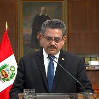Renuncia Merino a presidencia de Perú