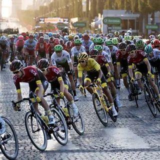 Ciclismo, il nuovo calendario: Giro e Vuelta si sovrappongono