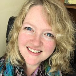 Lisa Zawrotny: How to Declutter and Discover Your Authentic Life and Business