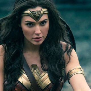 Wonder Woman Review With VicTori Belle!!