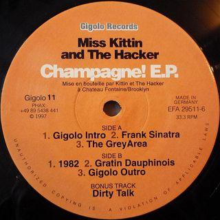 Miss Kittin & The Hacker - 1982