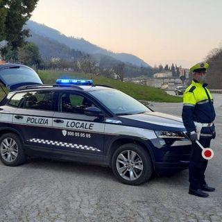 Norme anticovid, polizia locale Valle Agno: in dicembre 100 persone e 92 esercizi controllati