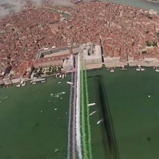 Festa della Repubblica, oggi le Frecce Tricolori hanno salutato Venezia  –  VIDEO