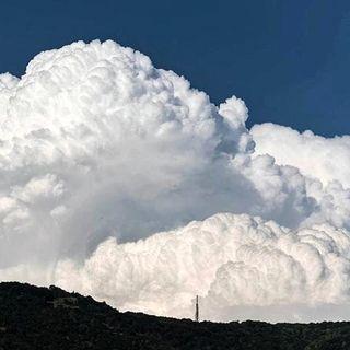 Castellina - Il paese volante tra boschi e nubi