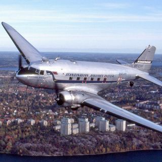 This 85 year old airplane will never die | The legendary Douglas DC-3 (& C-47)
