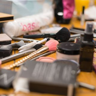 Things NOT to Say to a Woman and Makeup-Buying Tips