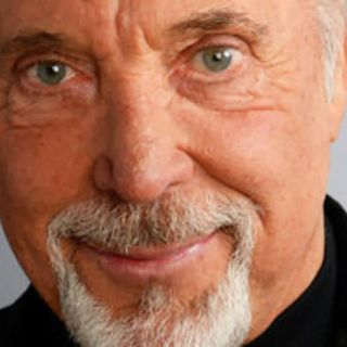 052 3HITSMIXED Tom Jones - Livin´Las Vegas