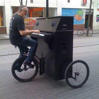 musica  en la carettera