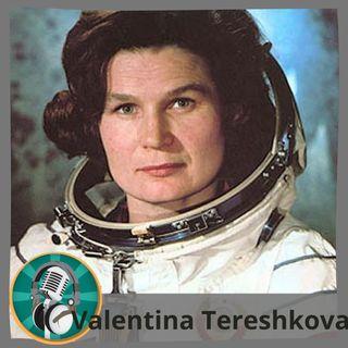 Carolina Morán con Valentina Tereshkova