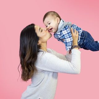 Podcasts About Motherhood _ One Mom's With A Favorite Child Apologizes.