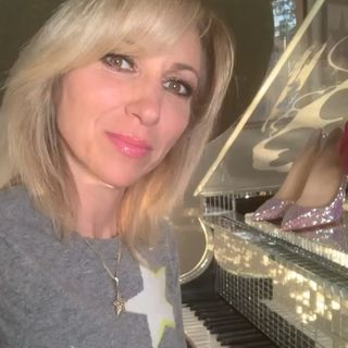 Debbie Gibson OUT OF THE BLUE - LIVE 2020 -