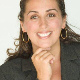 Nancy Solari, Certified Life & Business Coach, Founder of Living Full Out in Embrace Change