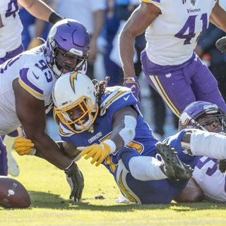 Purple People Eaters: Vikings/Packers Preview! Is Defense Playoff Ready? RB Depth Concern & More!