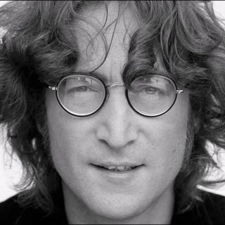Free as a bird La vita di John Lennon 06