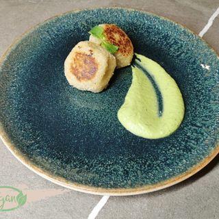 Arancine Vegan di quinoa in crema di asparagi
