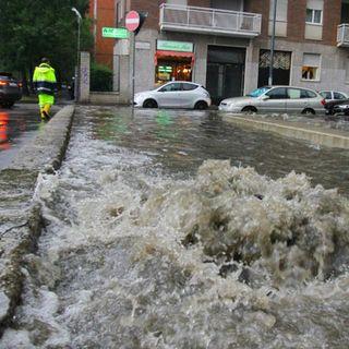 Milano, rientra l'esondazione del Seveso. Il Lambro continua a salire