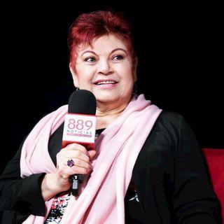 Lupita Sandoval con Carlos Chicken Muñoz   Entrevista
