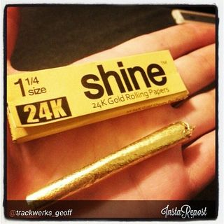 Lewis from 24k Shine rolling paper