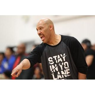 Lavar Ball pulls son from High school?! Mets Terry Collins quits/fired??