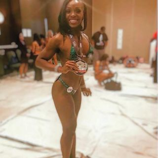 Episode 6-Living the life of a figure competitor