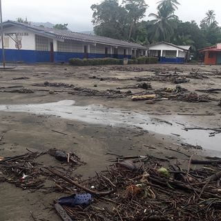 Situación de Docentes atrapados en áreas críticas de difícil condición laboral, a causa de eventos climáticos