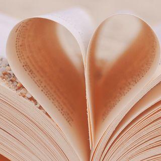Gaia Nanni legge tre libri dedicati all'amore