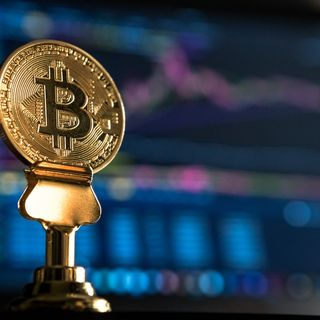 What is BitCoin? Bitcoin - The First Digital Currency.