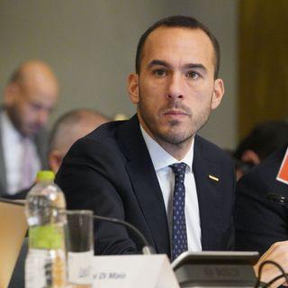 Navi ONG, migranti e Manlio Di Stefano
