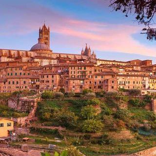 Una passeggiata romantica a Siena