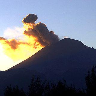 Registra el volcán Popocatépetl exhalación de 400 metros de altura