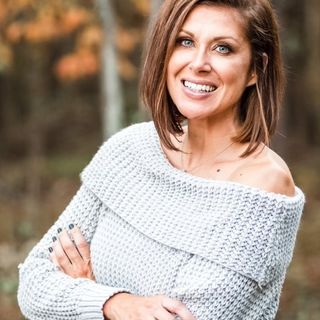 Episode 52-Heather Fronk, Health & Wellness Coach & former Mrs. Ohio 2016.