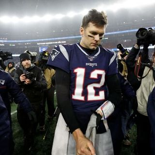 What's Next For Tom Brady With or Without The Patriots + NFL Wild Card Weekend Recap