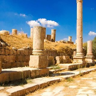 Explore the Amman Stopovers With Jordan Daily Tours