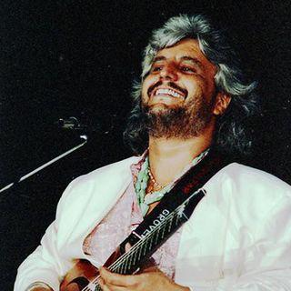 Nel gennaio di 5 anni fa PINO DANIELE ci lasciava. Noi, ricordiamo il grande cantautore andando al 1989....
