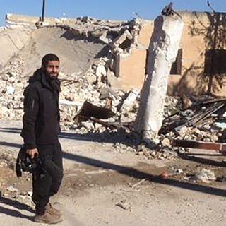 S2E1: Krigskorrespondent Nagieb Khaja dækker krigen fra fjendens side