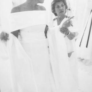 Gente Straordinariamente a caso - Clara la sarta di abiti da sposa