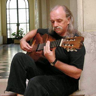 E15 民间音乐家劳尔•卡诺塔  (Raúl Carnota)