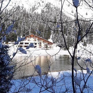 """SIAMO IN DIRETTA DALL""""HOTEL RISTORANTE LIDO DI SAN BERNARDINO ( SWISS ) in Consoll lele dj ( The Radio )"""