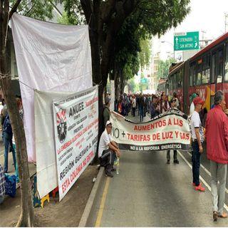 Electricistas bloquean Insurgentes