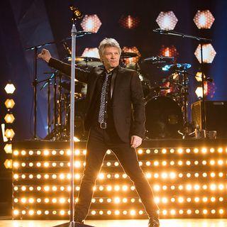 Bon Jovi Accepting Icon Award