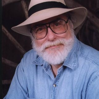 American journalist Jim Marrs talks with Joe Montaldo of United Public Radio about his book 'Crossfire The Plot That Killed Kennedy
